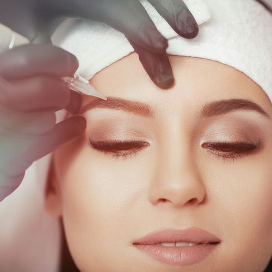BROWS TINTING AND LASHES TINTING